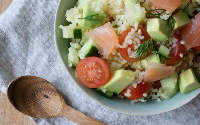 Bulgur salade met zalm en avocado