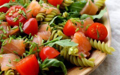 Pasta salade met gerookte zalm