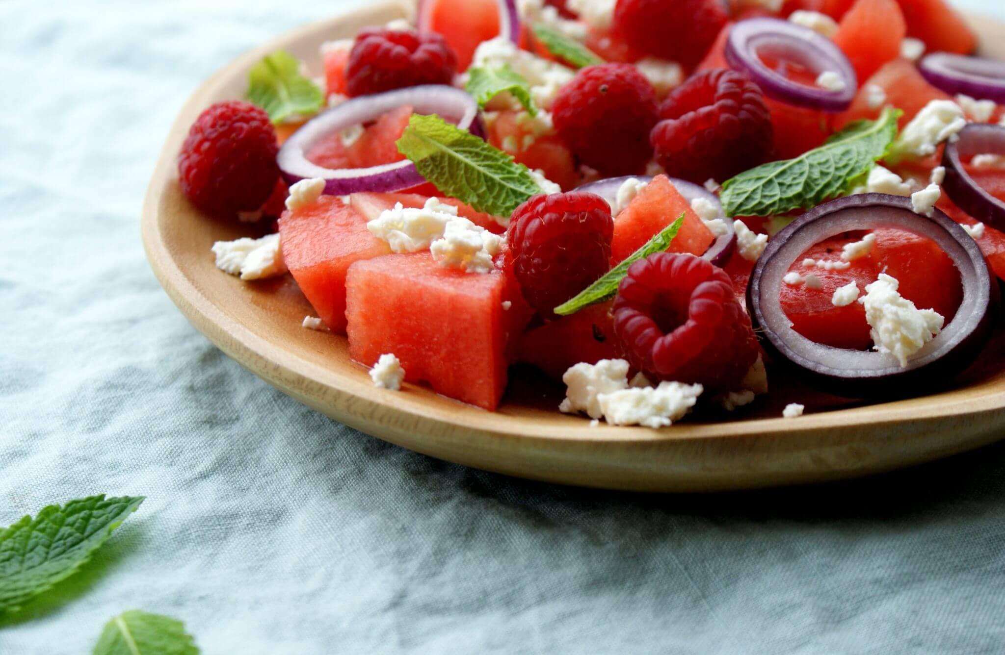 Salade met watermeloen, frambozen en feta
