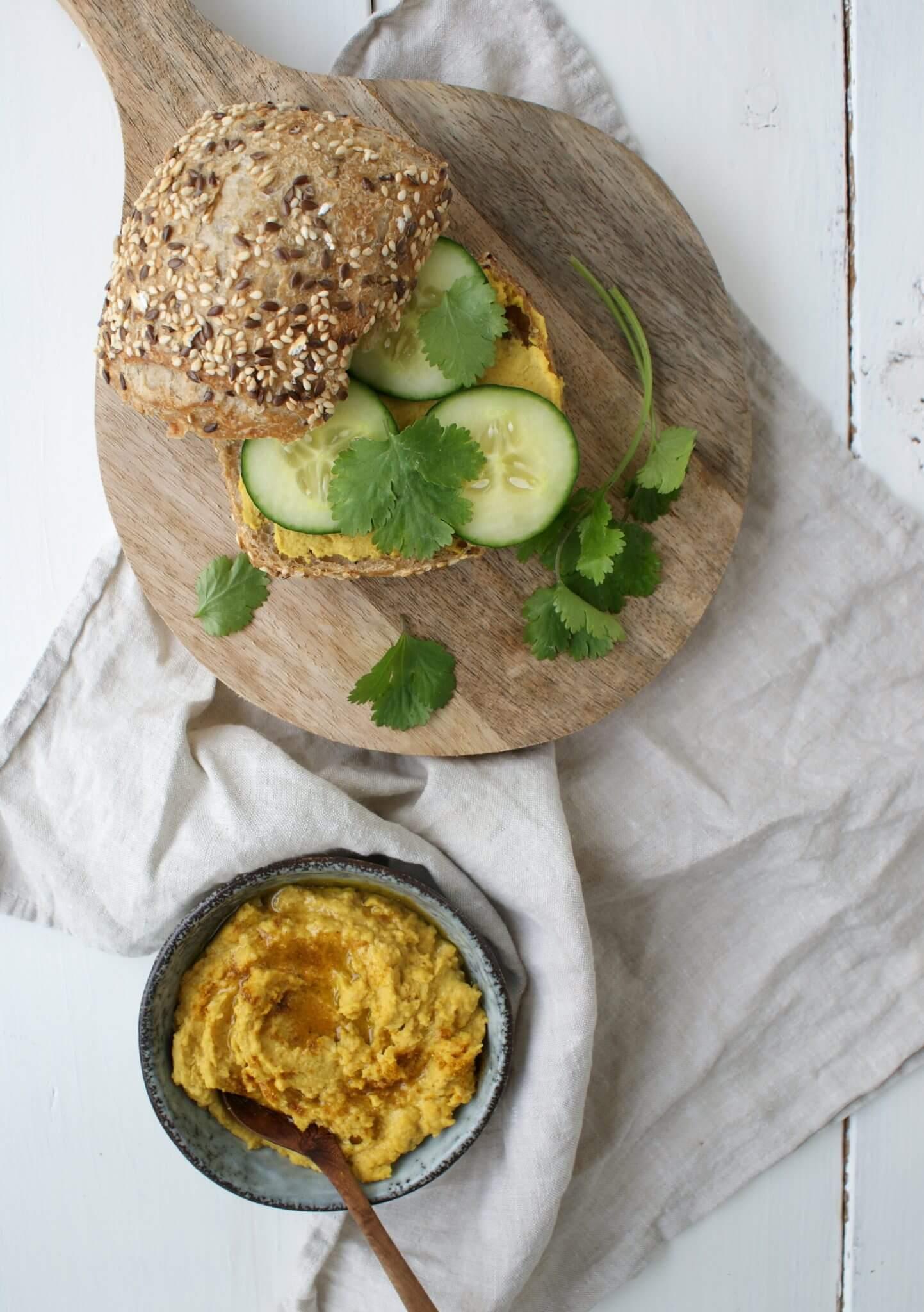 Hummus met kerrie