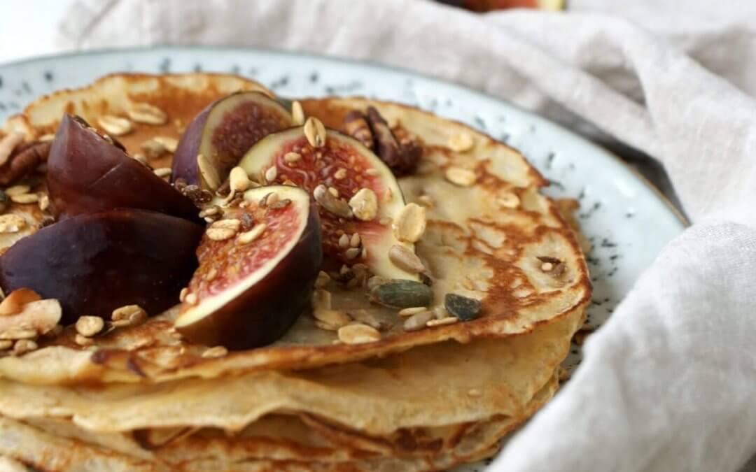 Speltpannenkoeken met vijg en granola