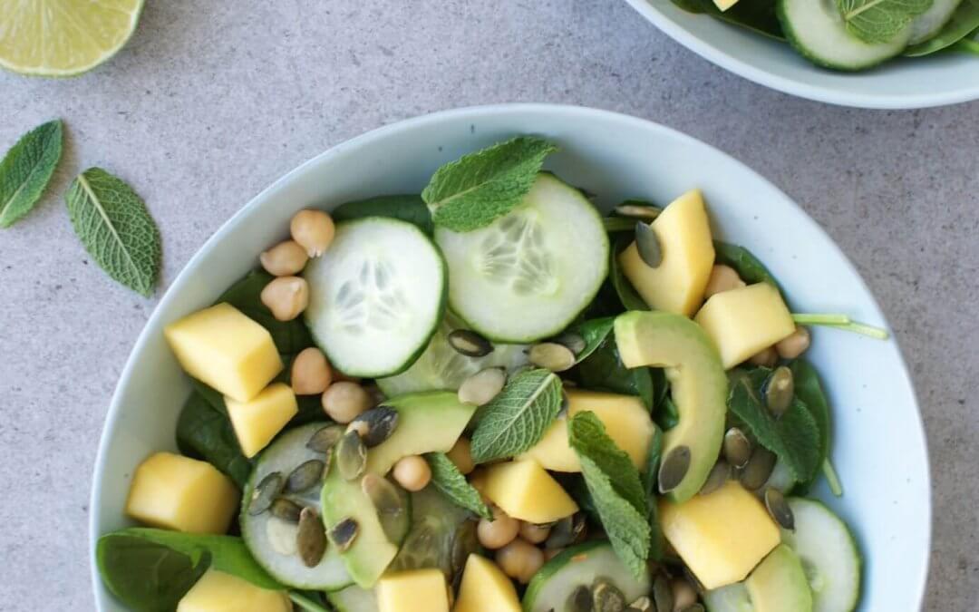 Salade met mango en avocado