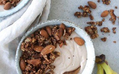 Smoothiebowl met pindakaas en banaan