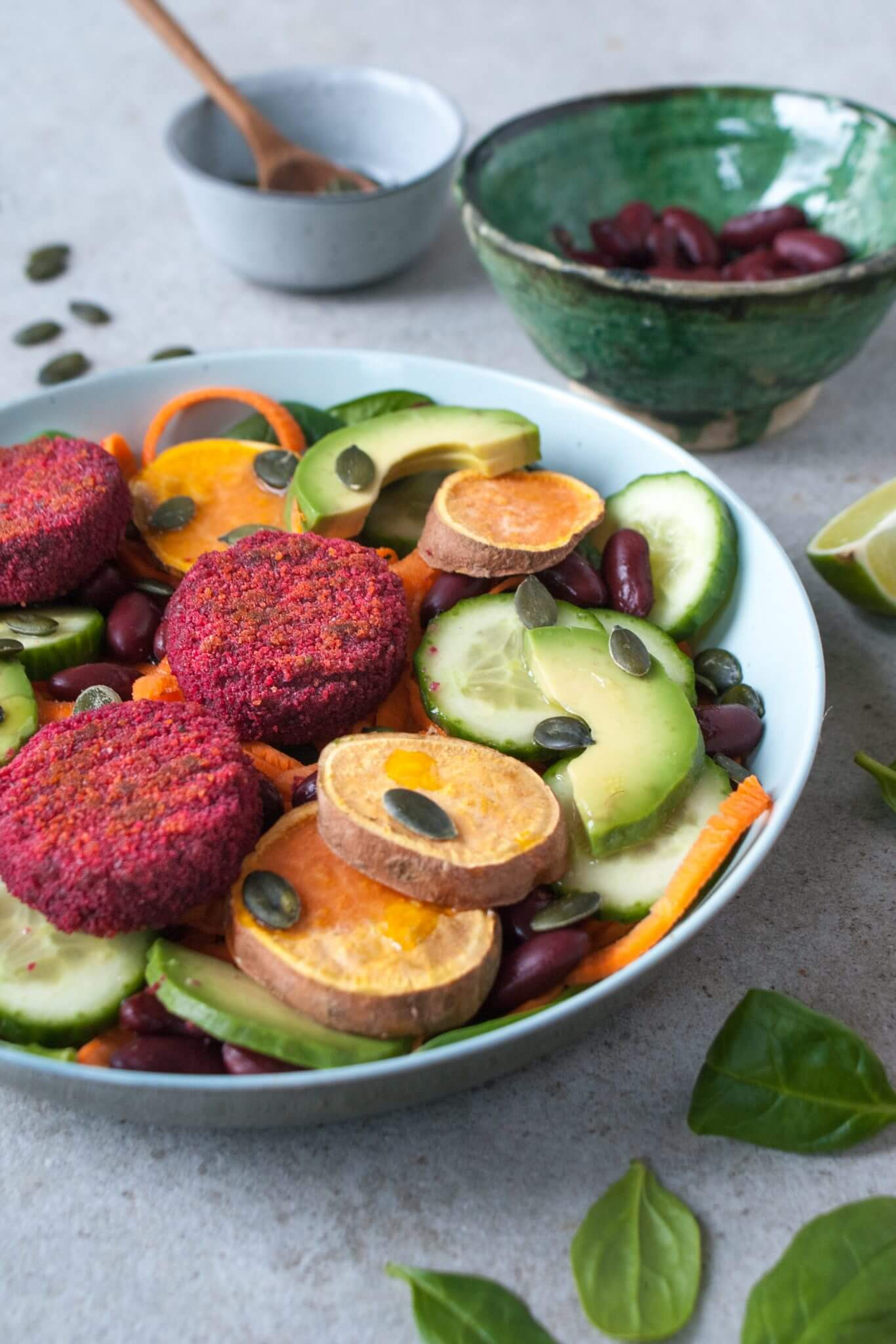 salade-met-rode-bieten-burgertjes