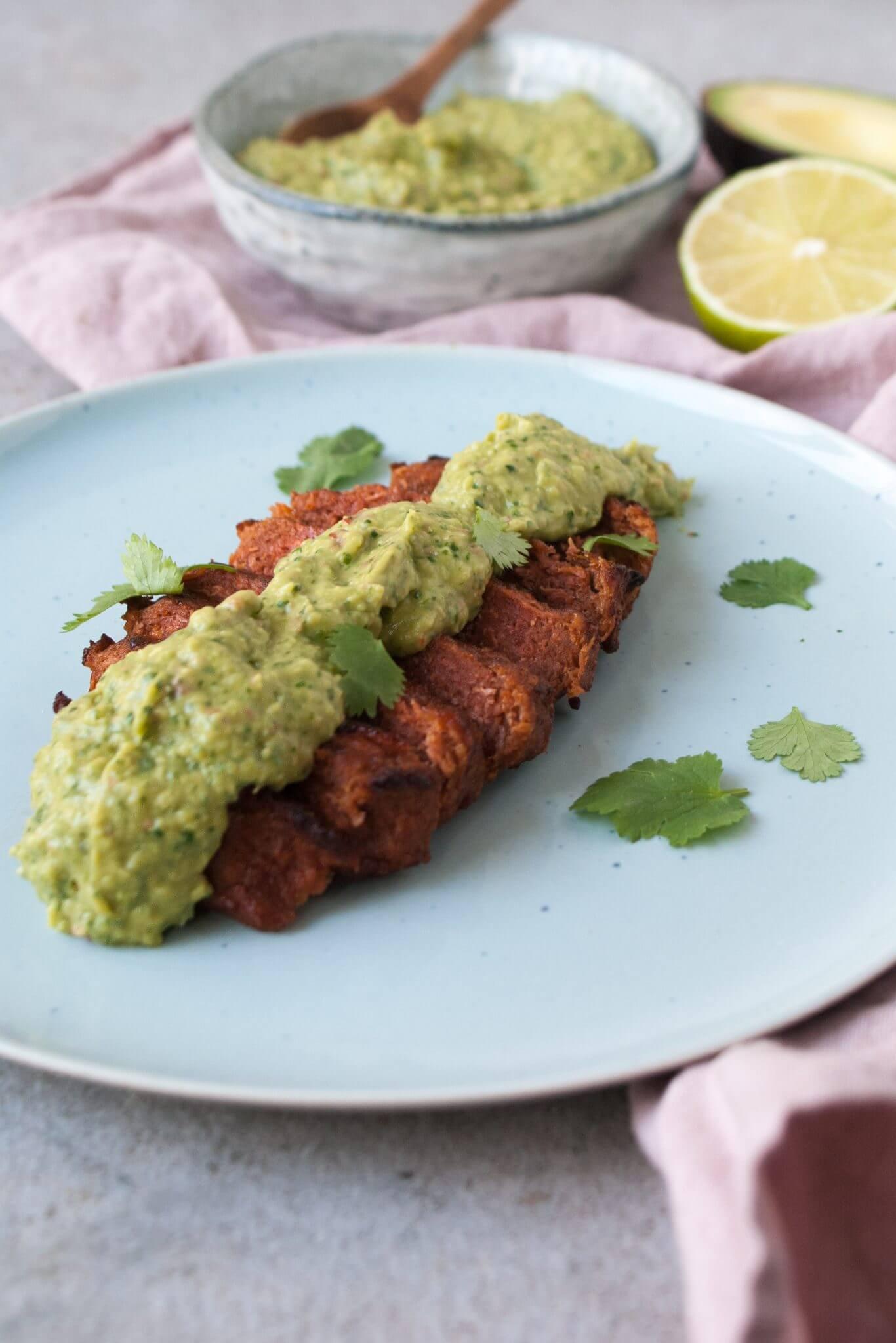 vega-biefstuk-met-avocado-chimichurri