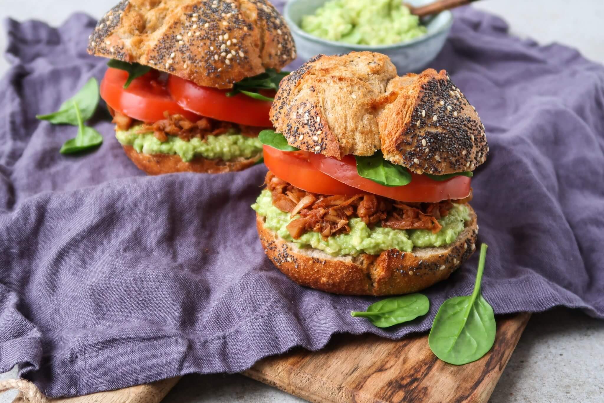 vegan-jackfruit-burgers