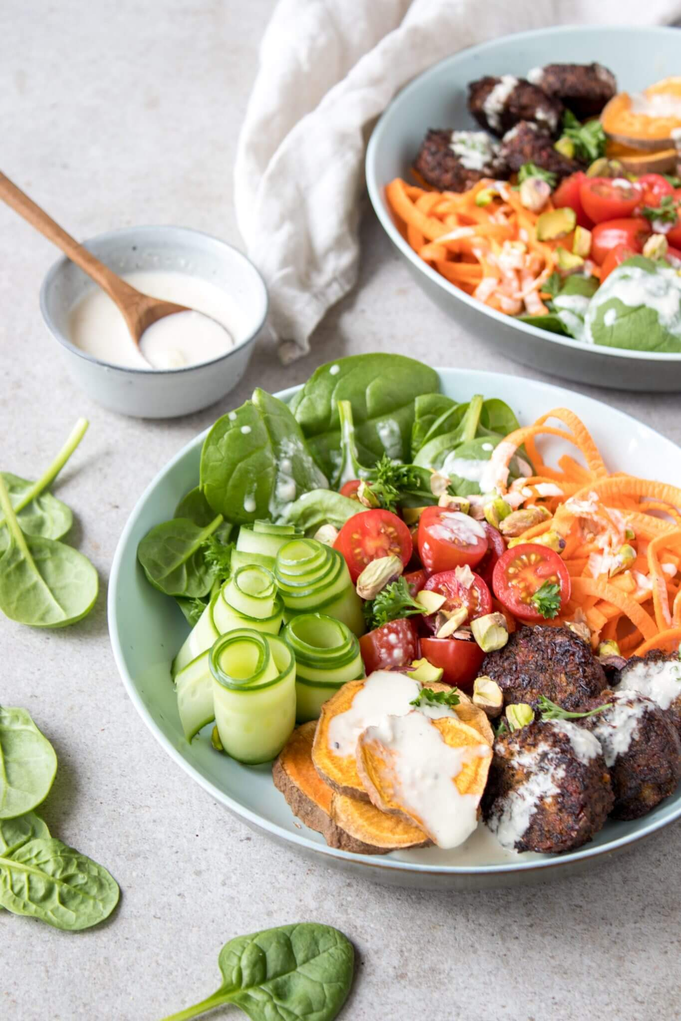 falafel-salade-knoflook-dressin