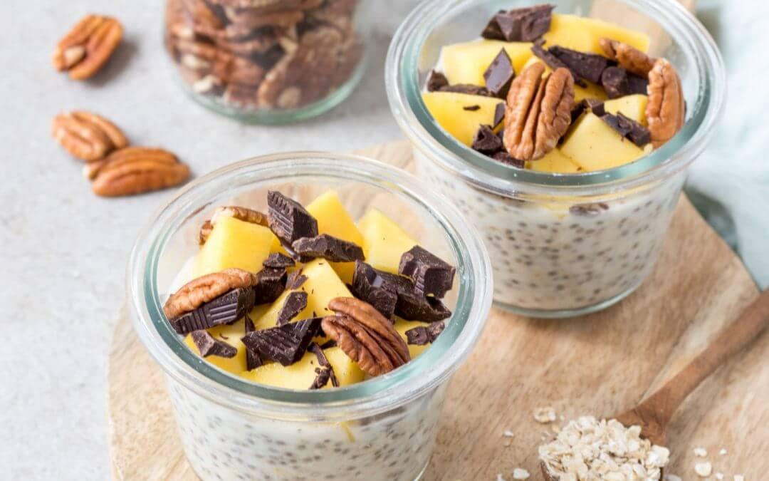 Overnight oats met mango en chocolade