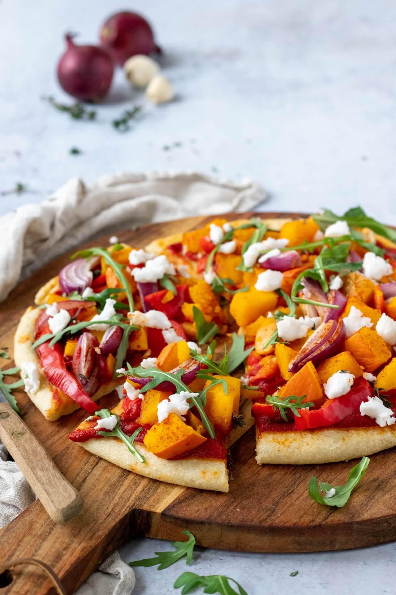 pizza-met-pompoen-en-rode-ui