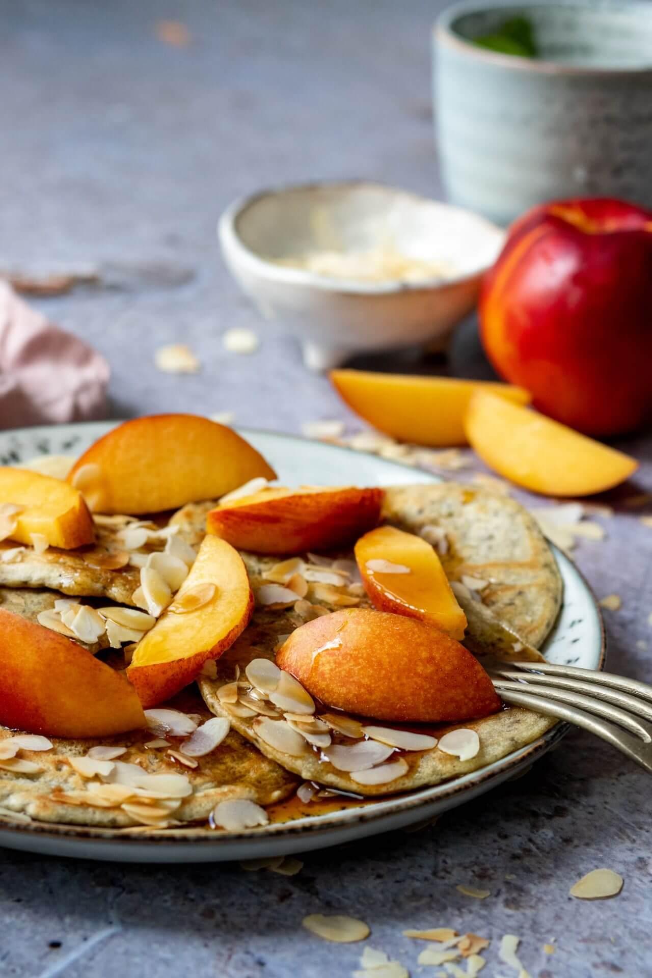 ontbijt-pannenkoekjes-met-nectarine