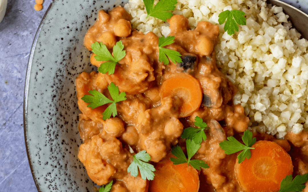 Curry met linzen, wortel en kikkererwten