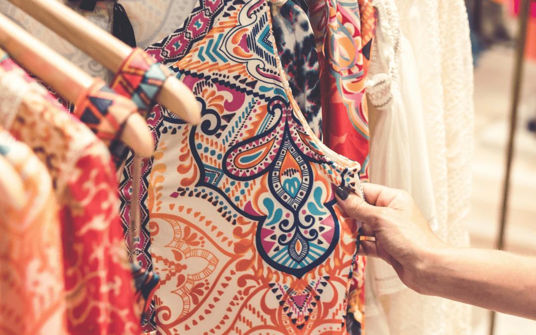 Waarom rust er een taboe op tweedehands kleding?