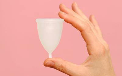 Hoe werkt een duurzame menstruatiecup?