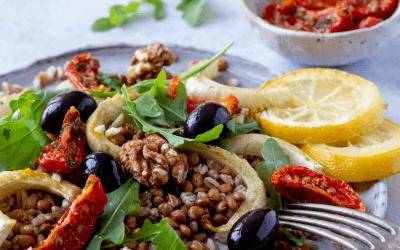 Salade met venkel, zongedroogde tomaat en rucola