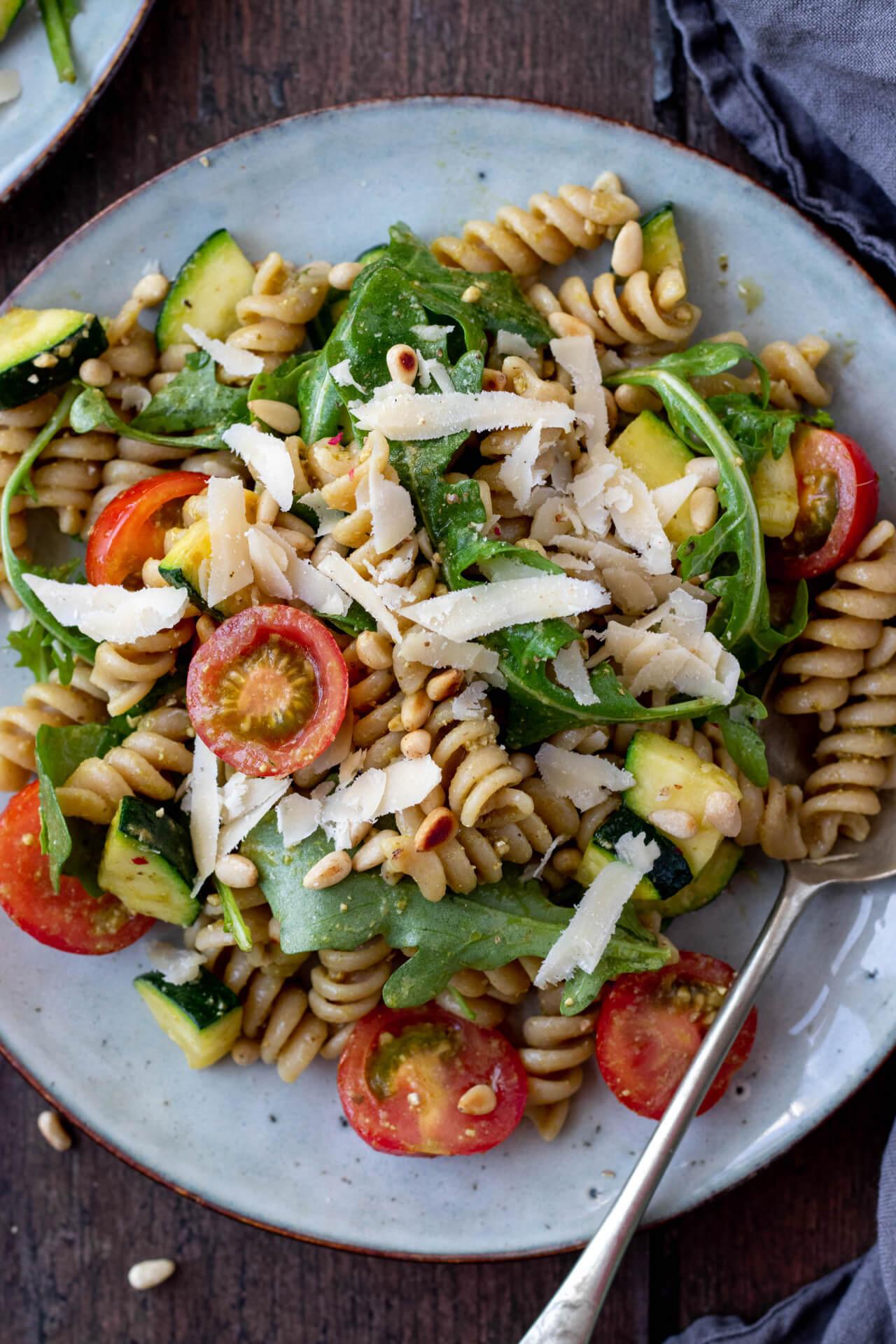 pasta-salade-met-courgette